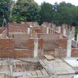 Hostel Under Construction, Sisai